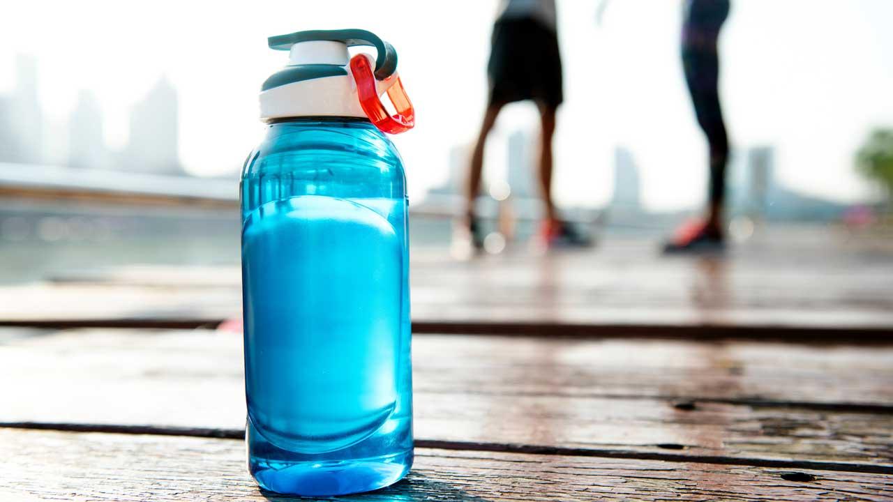 going-green-reusable-water-bottles