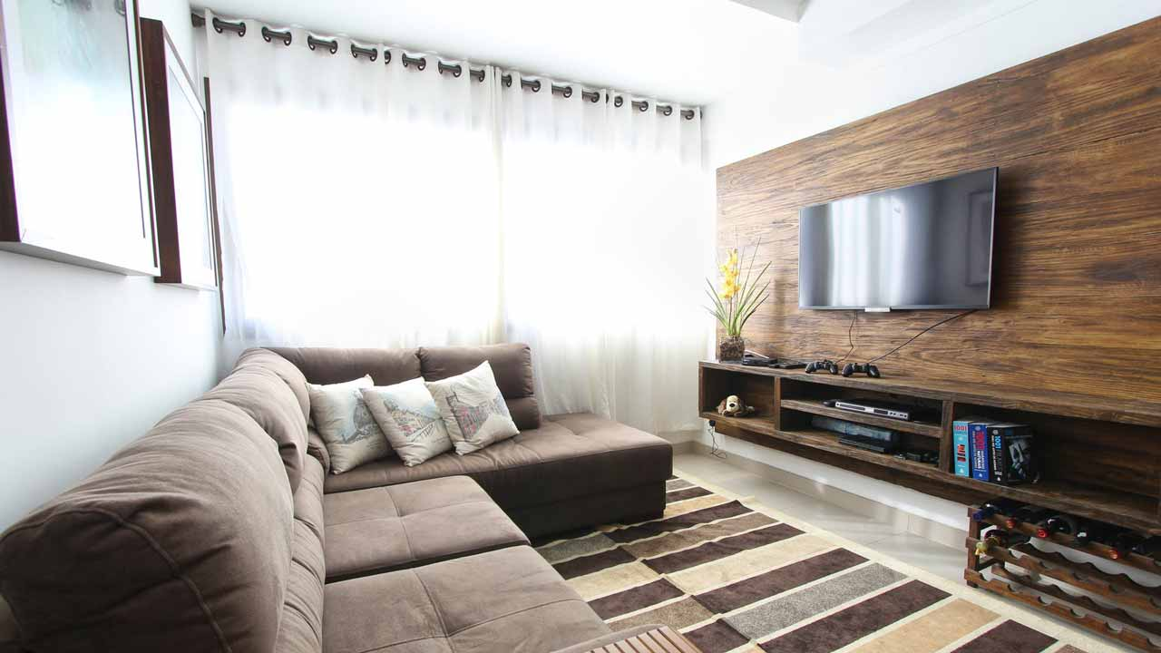 reducing tv glare