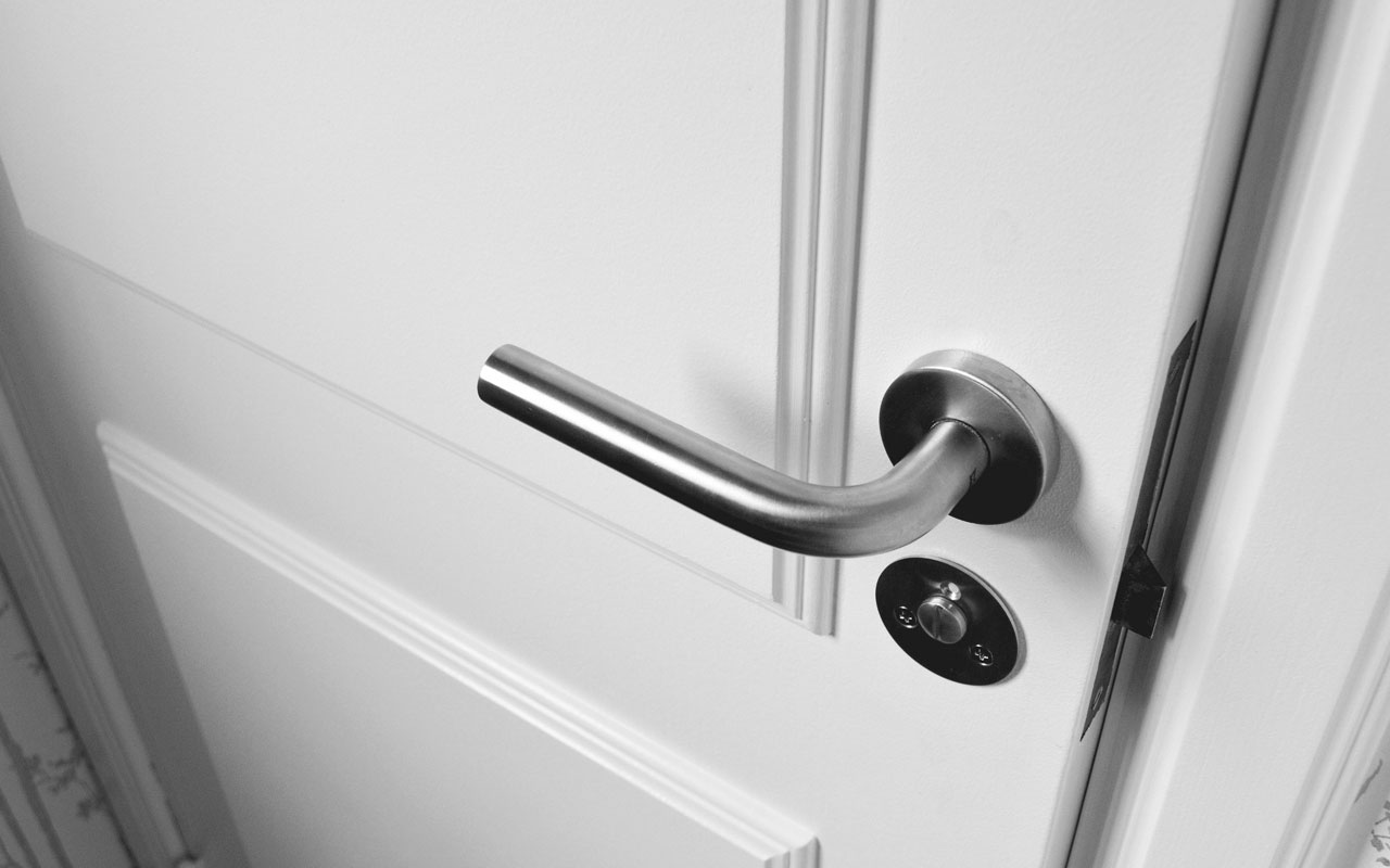 Install-locks-on-internal-doors