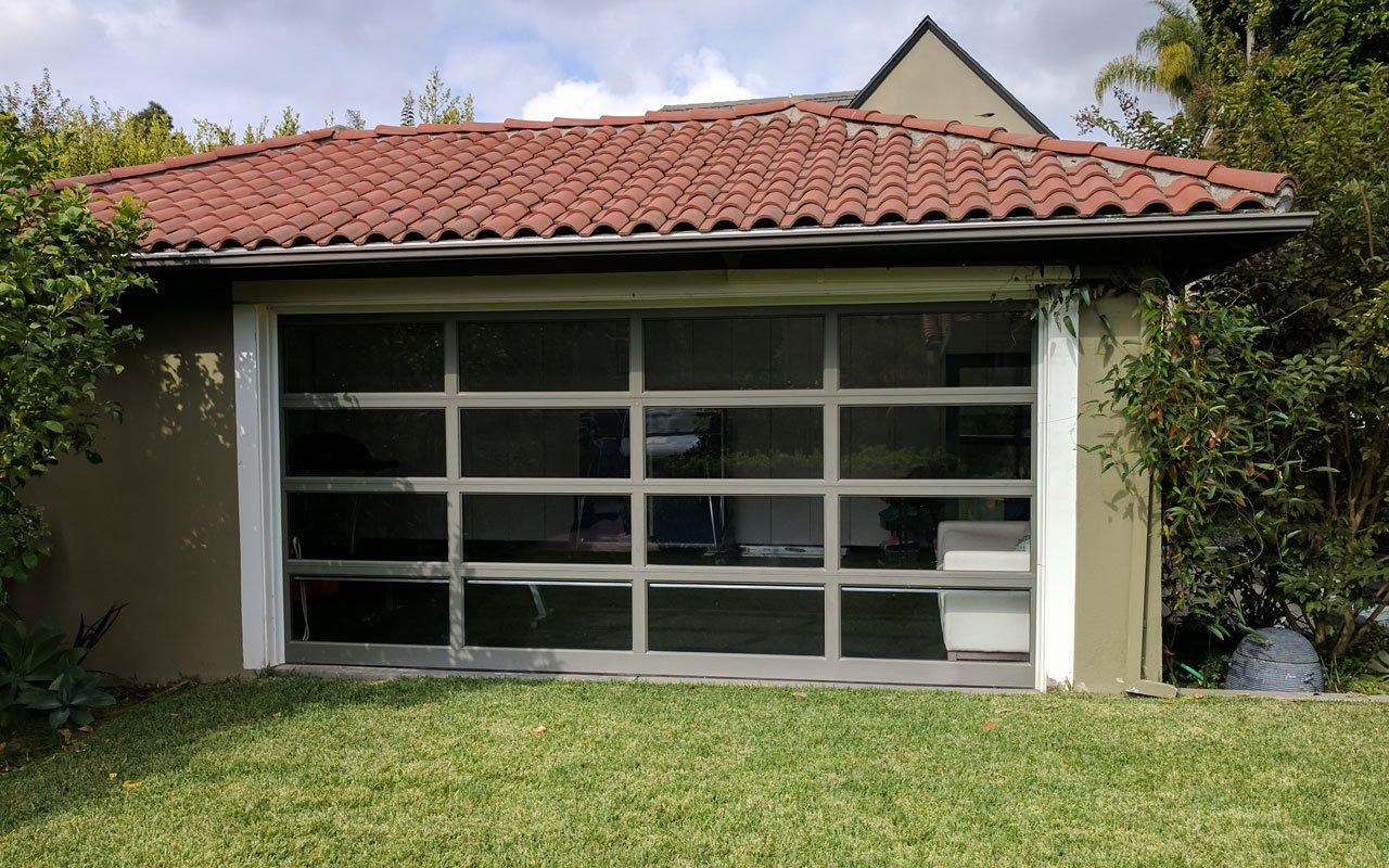 Reflective-window-film-&-privacy-window-film